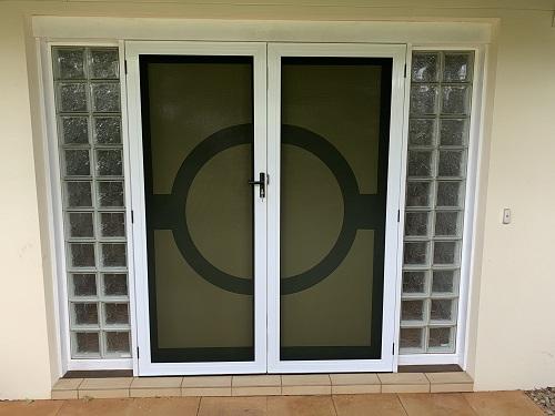 Double-front-door-with-Aluminum-security-screen